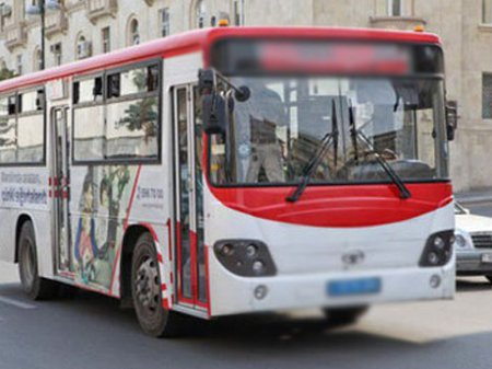 """Avtobus sürücüsü: """"Sənin başını kəsərəm"""" - VIDEO"""